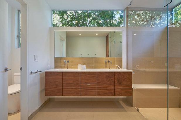 Modern Bathroom by yamamar design