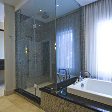 contemporary bathroom by BiglarKinyan Design Partnership Inc.
