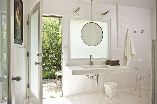 Современный Ванная комната by HoneeDo This'n That, Inc/Southwest Tile & Marble