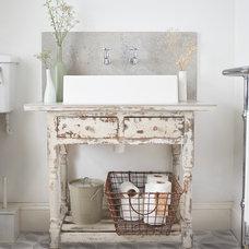 Industrial Bathroom by Lindsey Lang Design Ltd