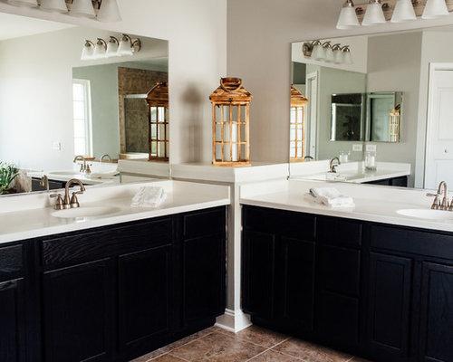 Chicago bathroom design ideas remodels photos with for Bath remodel gurnee