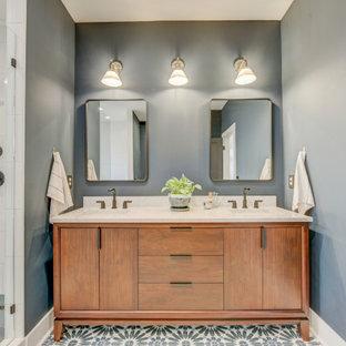 Exemple d'une salle de bain principale moderne de taille moyenne avec un placard à porte plane, des portes de placard marrons, une baignoire indépendante, une douche ouverte, un carrelage blanc, des carreaux de céramique, un mur gris, un sol en carrelage de céramique, un lavabo posé, un plan de toilette en quartz modifié, un sol gris, une cabine de douche à porte battante, un plan de toilette beige, meuble double vasque, meuble-lavabo sur pied et un plafond à caissons.