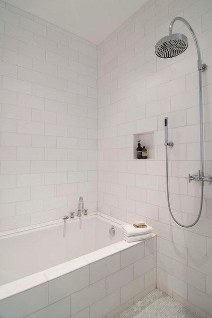 Modern Bathroom by 07 STUDIOS