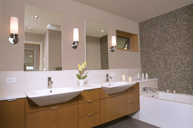 New Contemporary Bathroom by Masterson Studio