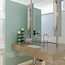 Modern Bathroom by Lazar Design+Build