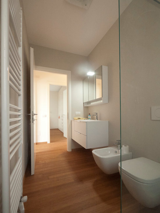 modern bathroom design ideas, remodels & photos with bamboo floors