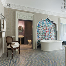 Traditional Bathroom by S-style