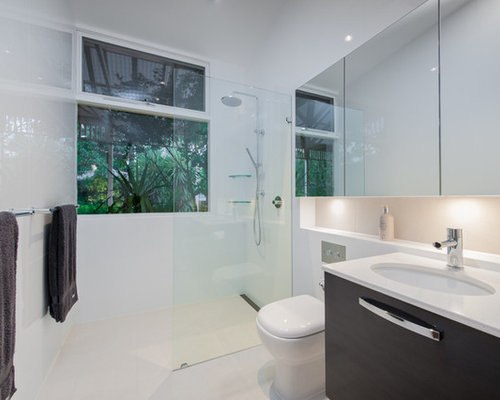 Saveemail Brilliant Sa 3 Reviews Light Minimalist Contemporary Bathroom Design