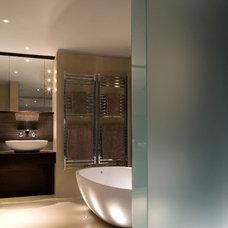 Contemporary Bathroom by Simon Warren Photographer