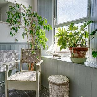 Ejemplo de cuarto de baño bohemio, pequeño, con armarios estilo shaker
