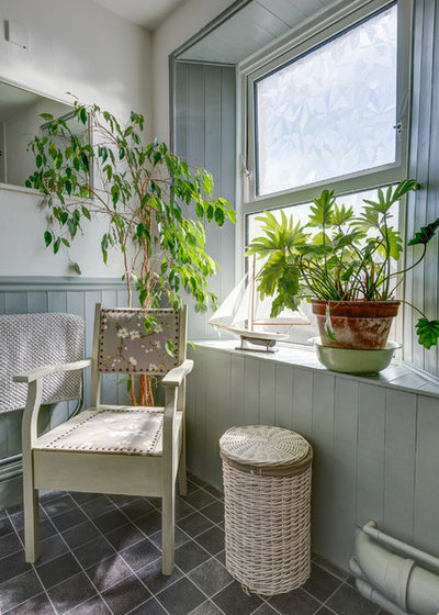 Eclectic Bathroom by Colin Cadle Photography