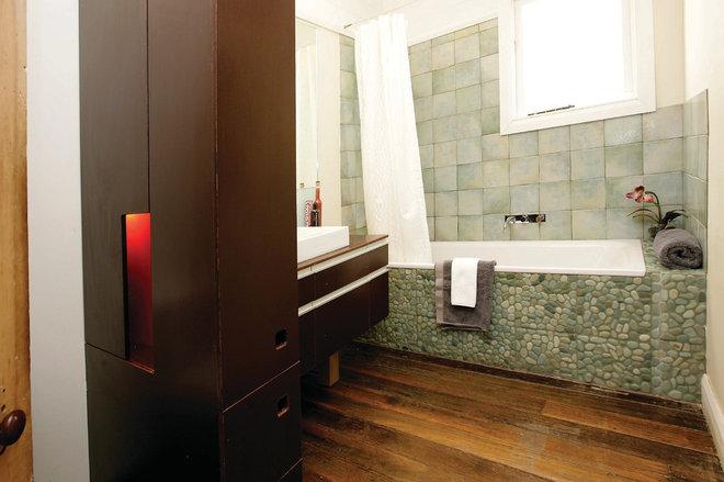 Contemporary Bathroom by Danny Broe Architect
