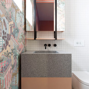 Design ideas for a midcentury bathroom in Sydney.