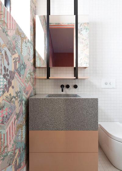 Midcentury Bathroom by Woods & Warner