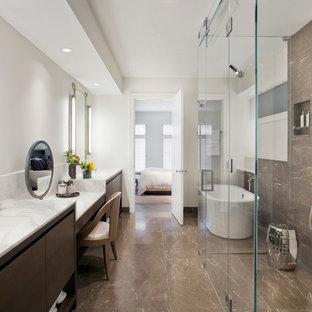 Modern inredning av ett stort en-suite badrum 87513d11aa323