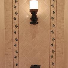 Traditional Bathroom Linda Yepez Interiors LLC