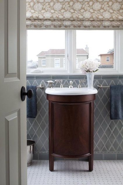 Traditional Bathroom by Lindy Donnelly