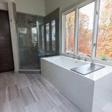 Lines & Style, Master Bathroom