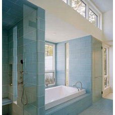 Modern Bathroom by Lisa Dubin Architect