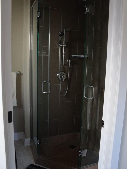 badezimmer mit vinylboden und zementfliesen design ideen beispiele f r die badgestaltung. Black Bedroom Furniture Sets. Home Design Ideas