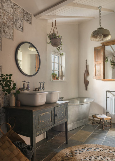 Country Bathroom by Unique Homestays