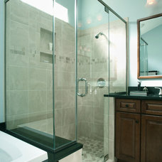 Traditional Bathroom by Re-Builders, Inc.
