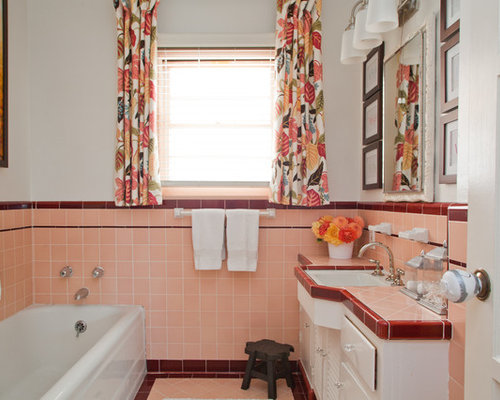 Example Of A 1960s Bathroom Design In Los Angeles With Tile Countertops