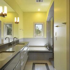 Contemporary Bathroom by DeWitt Architects