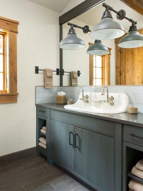 Rustic bathroom design ideas renovations photos with for Gray rustic bathroom