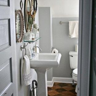 Bathroom - traditional bathroom idea in Hawaii with a pedestal sink