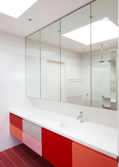 Contemporary Bathroom by Aileen Sage Architects