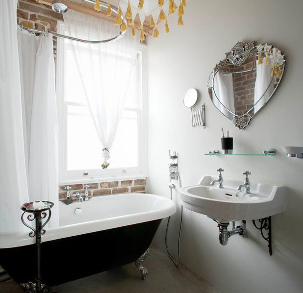 Traditional Bathroom by MDSX Contractors Ltd
