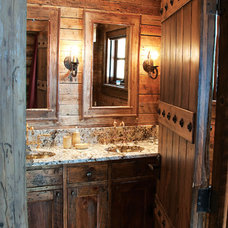 Rustic Bathroom by Lohss Construction