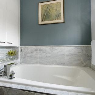 Bathroom - contemporary bathroom idea in Montreal