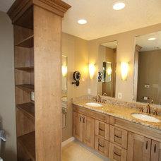 Traditional Bathroom by Paula Barwick