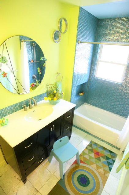 Great color combination yellow and green for Yellow and green bathroom ideas