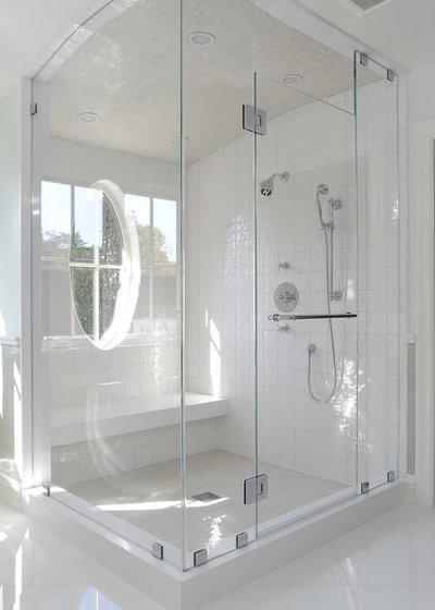 Traditional Bathroom by KellyBaron