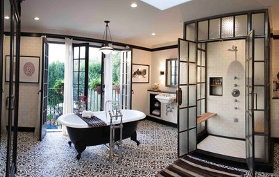 Bath of the Week: Glass and Steel With a Mediterranean Twist