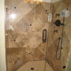 Mediterranean Bathroom by W e n d y   Z o l e z z i   D e s i g n