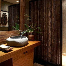 Tropical Bathroom by GM Construction, Inc.