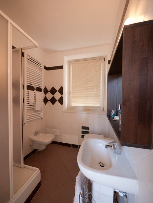 Best low cost bathroom design ideas remodel pictures houzz for Cost of a new bathroom