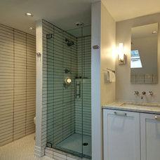 Modern Bathroom by Teass \ Warren Architects