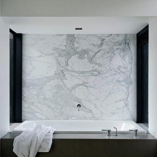 Bathroom - contemporary bathroom idea in Auckland