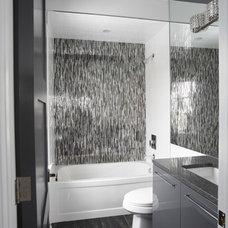 Modern Bathroom by Lucvaa Ltd