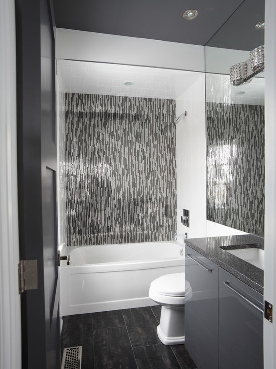 bathroom design ideas, remodels & photos with gray cabinets and