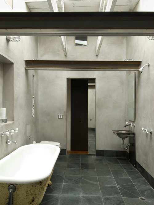 Salles de bains et wc montagne avec une baignoire sur - Salle de bain avec baignoire sur pied ...