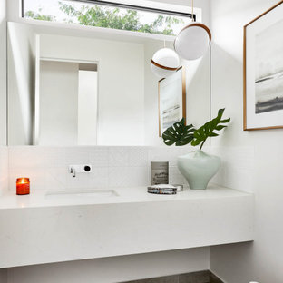 Photo of a contemporary bathroom in Geelong.