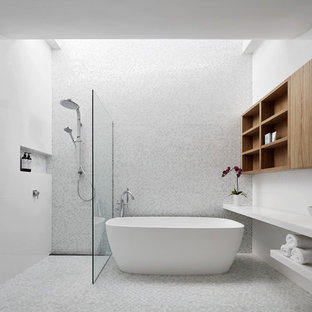 Luxe Urban Residence - Family Bathroom