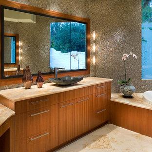 Imagen de cuarto de baño de estilo zen con lavabo sobreencimera y encimera de ónix