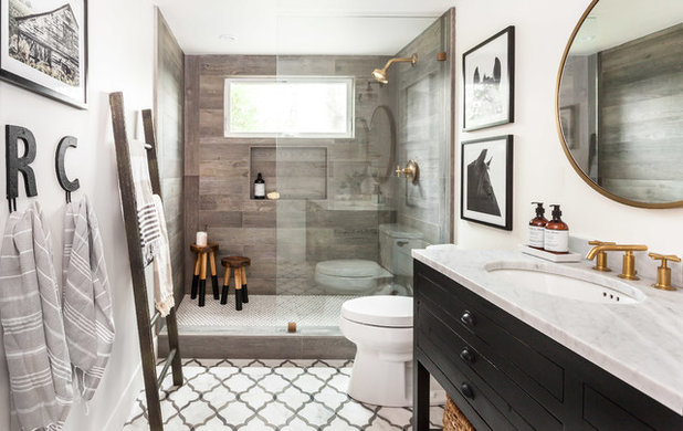 Campagne Salle de Bain by Juxtaposed Interiors